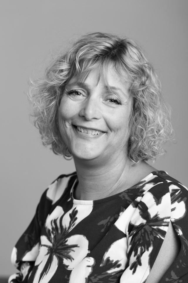 Lise Zaar (Custom)